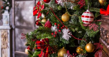 Augusta University Office of Critical Event Preparedness and Response share 12 holiday tips to keep the Christmas cheer